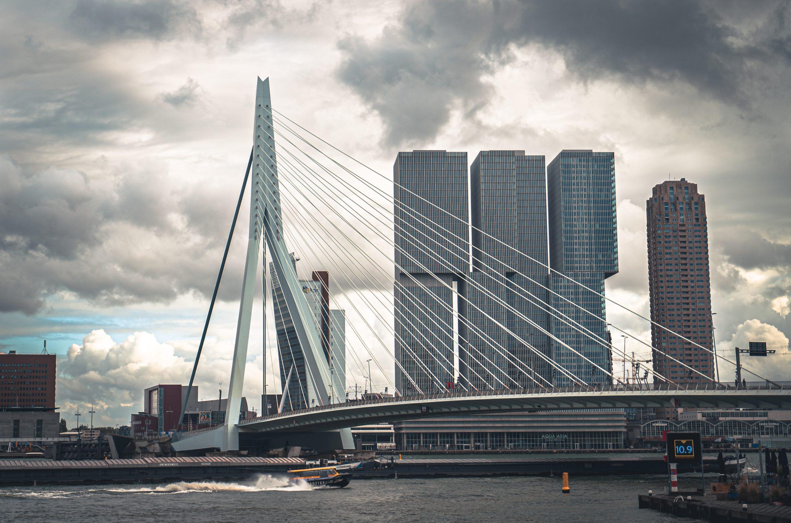 Vind nu ook supersimpel een parkeerplek in Rotterdam, Den Haag en Utrecht